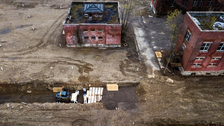 Se construyenFosas comunes en una isla de Nueva York
