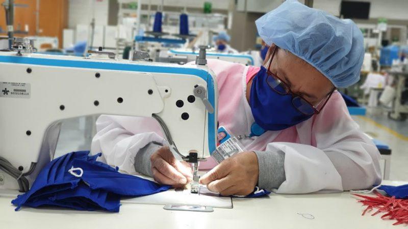 El SENA promueve la empleabilidad de aprendices a través de la fabricación de tapabocas