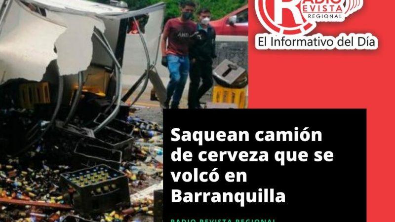 Saquean camión de cerveza que se volcó en Barranquilla