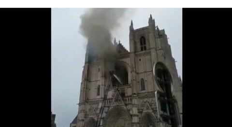 Incendio en Nantes