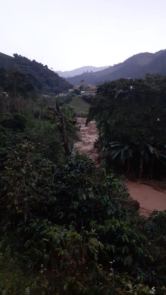 En las últimas horas tres personas fueron arrastradas por afluentes tras las fuertes lluvias, una de ellas fue encontrada sin vida