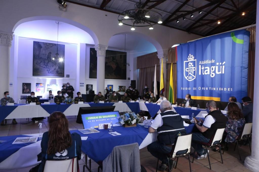 Ministro de Defensa anunció más policías para Itagüí y el fortalecimiento de operaciones para disminuir homicidios en Antioquia