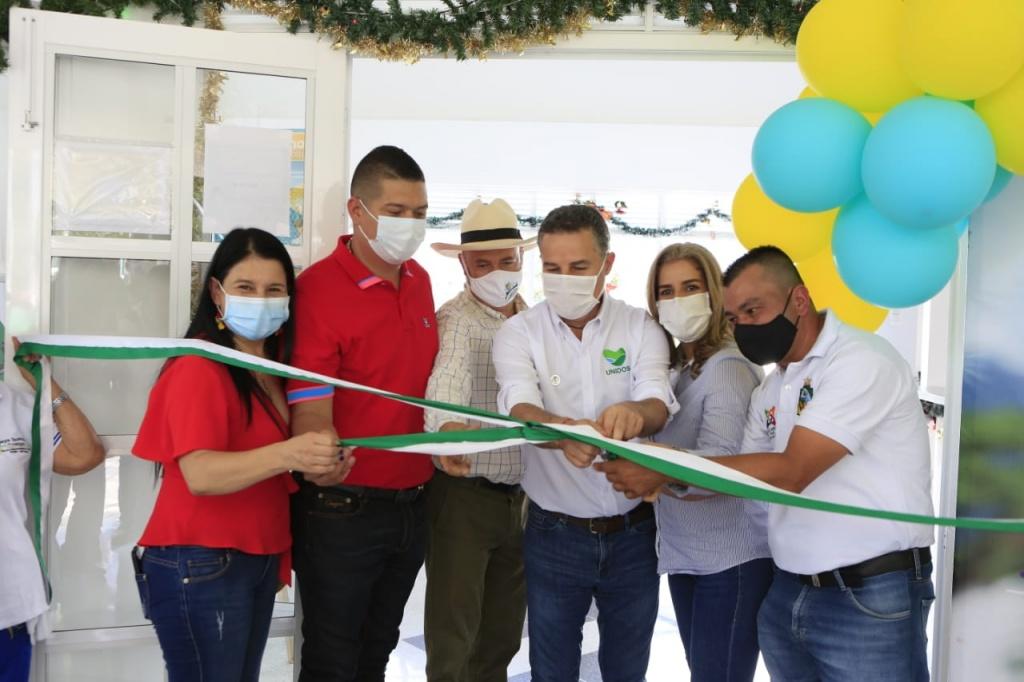 Gobernador de Antioquia entregó importantes obras este viernes en el municipio de Olaya