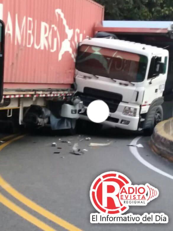 En Imágenes ¡ El increíble choque en la Via Medellin – Manizales
