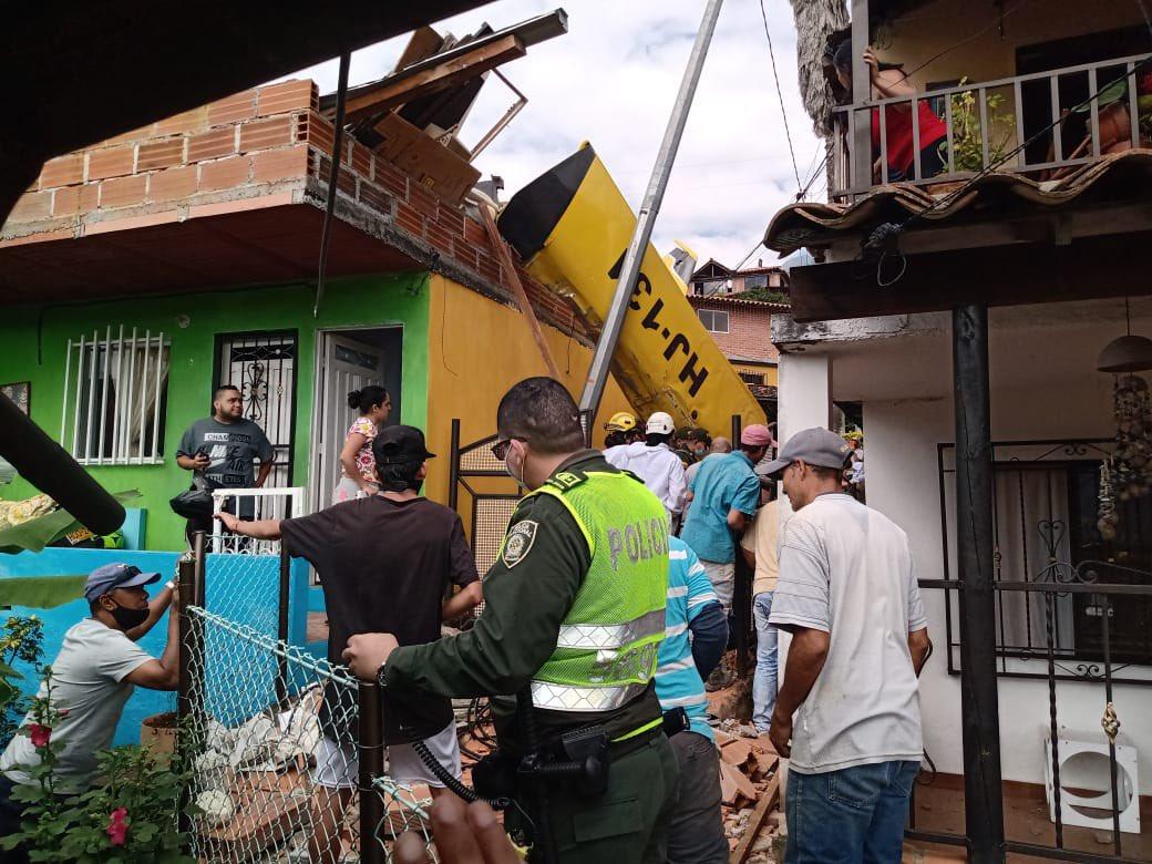 Accidente aéreo en Copacabana Antioquia avioneta cayó en zona residencial