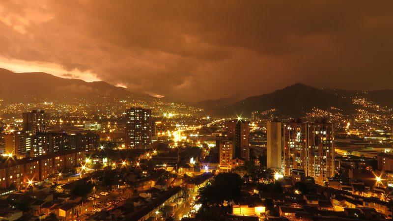 Fiscalía imputa cargos contra un hombre presunto responsable del homicidio de un joven en la Comuna 13 de Medellín