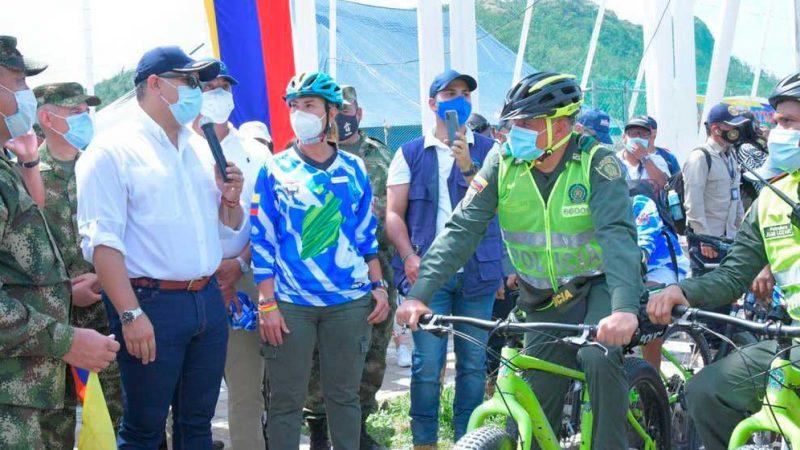 Duque lanza campaña 'Más bicis, menos motos'