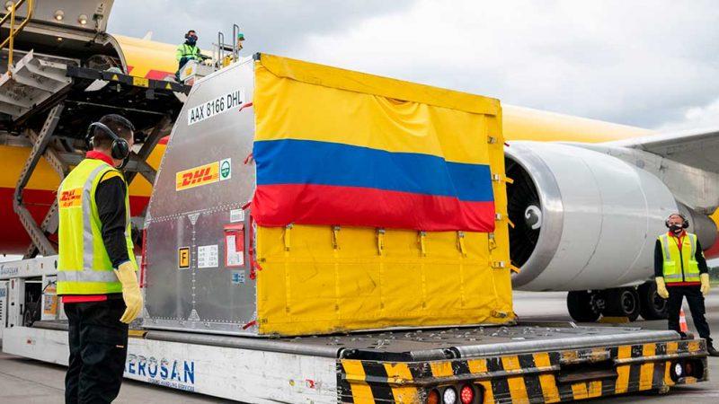 Esperamos vacunar a más de un millón de colombianos en el primer mes: Duque