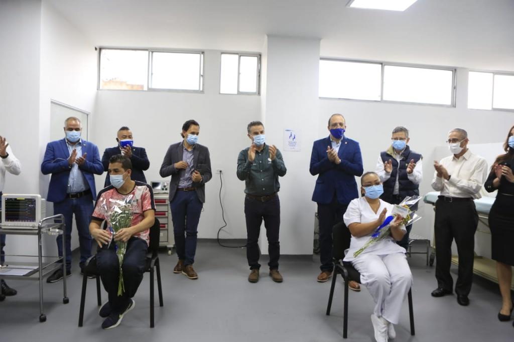 1.116 personas fueron vacunadas contra el Covid-19 en el primer día de la jornada en Antioquia