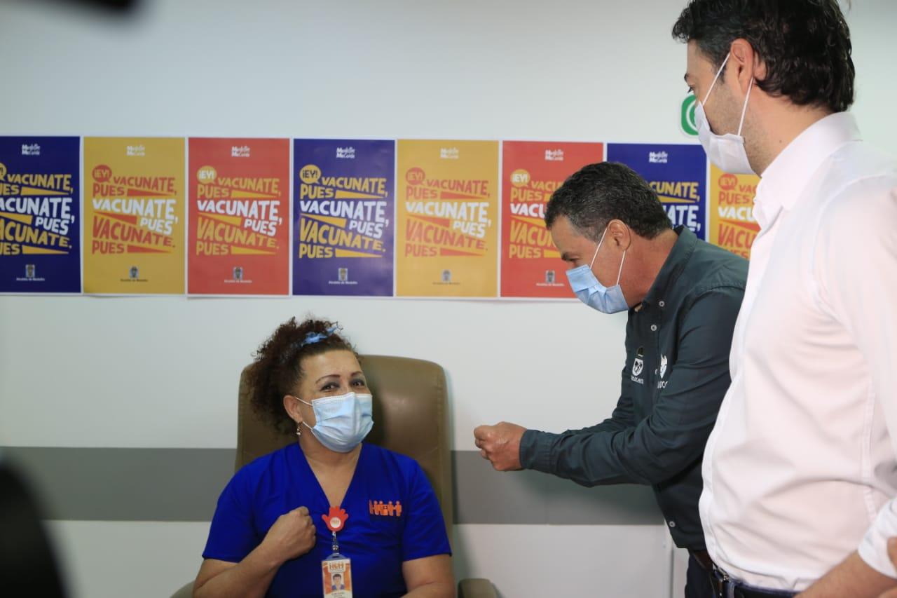 Inició el proceso de vacunación en el departamento de Antioquia