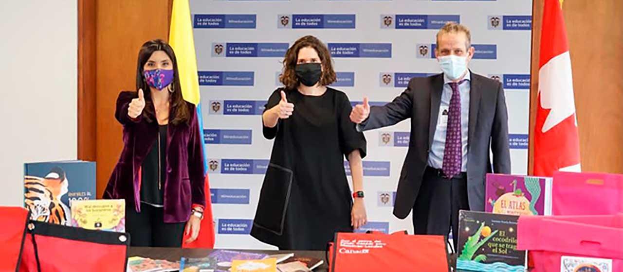 MinEducación y Embajada de Canadá donan 1.000 libros a estudiantes de San Andrés y Providencia