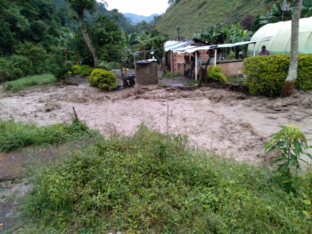Seis municipios de Antioquia reportaron crecientes en ríos y quebradas tras las lluvias de las últimas horas