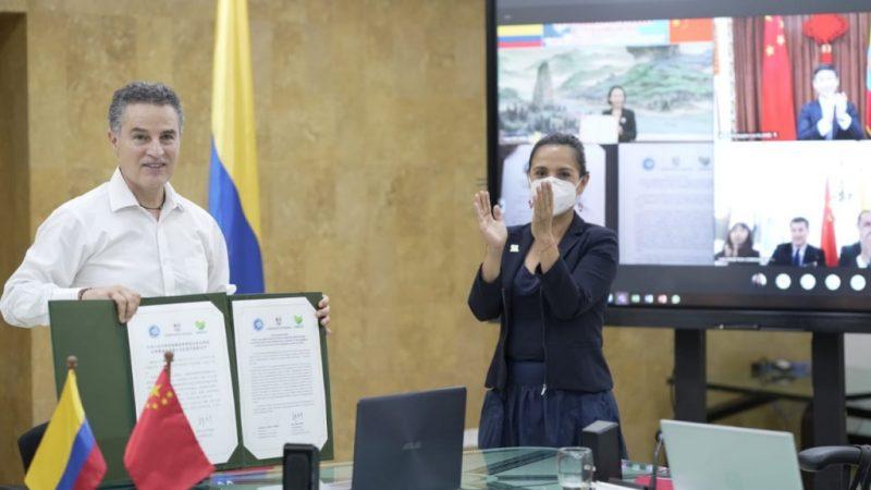 China de cerca a Antioquia y firma carta de establecimiento de relaciones