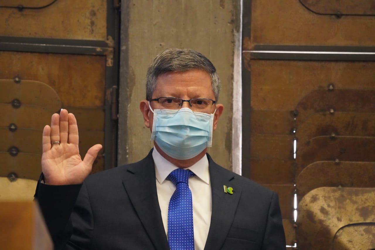Luis Fernando Suárez Vélez tomó posesión como gobernador encargado de Antioquia ante la Asamblea Departamental