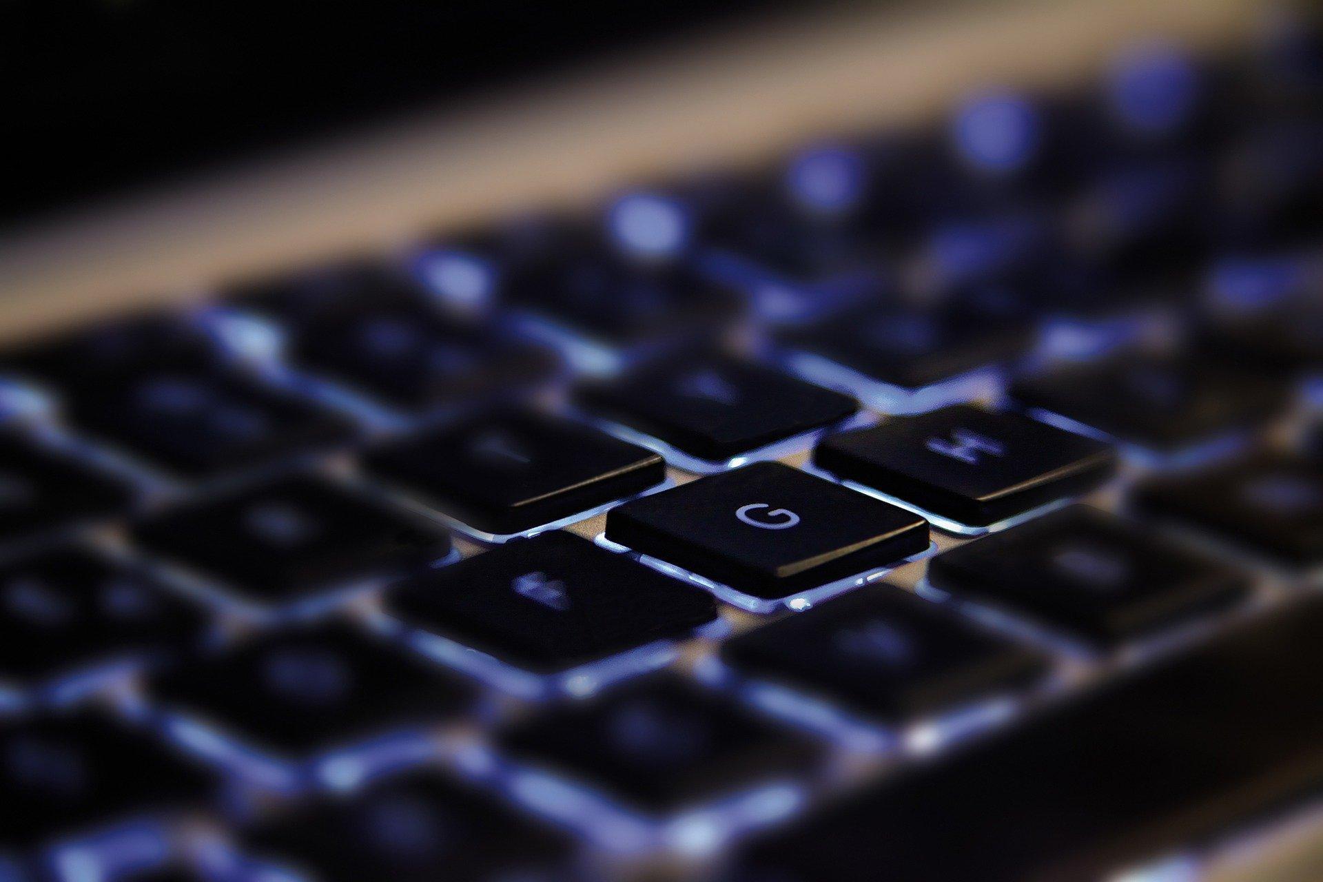 Condenado a más de 10 años de prisión un hombre que creó un perfil falso en redes sociales para publicar pornografía