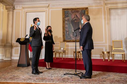 Presidente Duque posesionó a Lisandro Junco como Director de la DIAN y a Fernanda García como Superintendente de Notariado y Registro