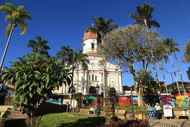 Gobernación de Antioquia acompañó entrega de restos óseos a seis familias víctimas de desaparición forzada en Ituango