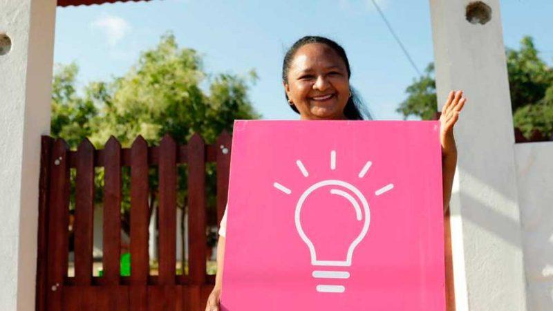 Más de 11.200 familias, en ocho departamentos del país, se beneficiarán por primera vez del servicio de energía eléctrica