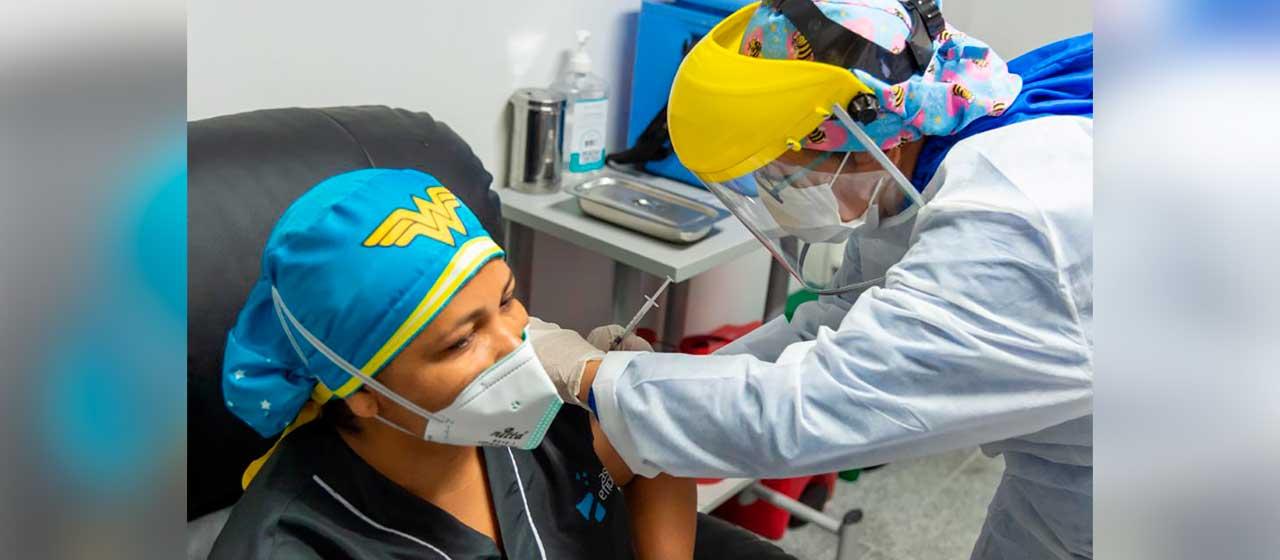 Plan de inmunización sigue creciendo y ya llegamos a 28 millones de vacunas aplicadas: Duque