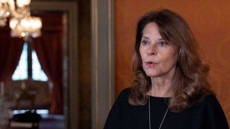 Vicepresidenta Canciller invita a su homóloga de Panamá a dialogar sobre situación de migrantes