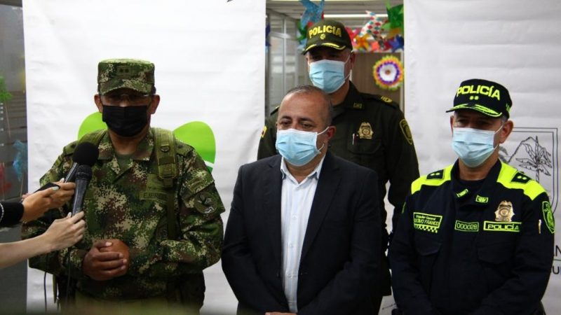 """Fueron capturados alias """"Machete"""" y alias """"Zafiro"""" integrantes de grupo delincuencial de las subregiones del Oriente y Occidente Antioqueño"""
