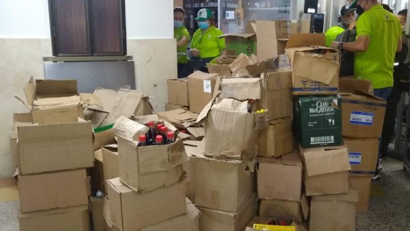 1.213 Unidades de licor falsificado fueron aprehendidas en el centro de la ciudad de Medellín