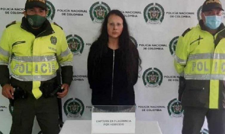 Mujer que aparentemente le quitó la vida a su mamá, aceptó cargos y fue enviada a prisión