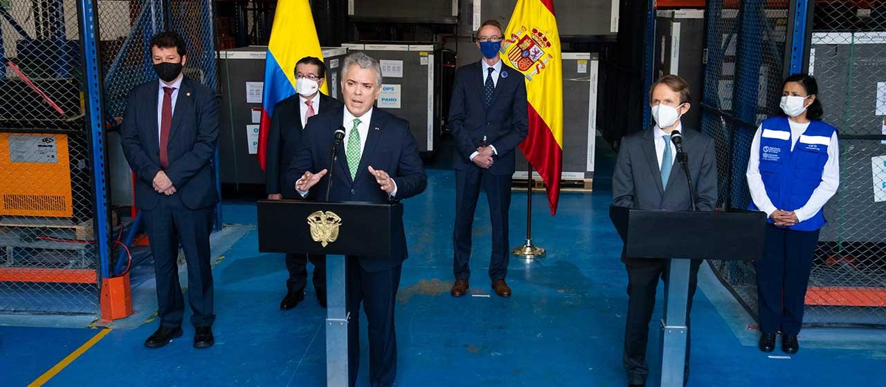 Colombia recibe donación de 957 mil vacunas de España y la destaca como la primera de un país europeo a Colombia