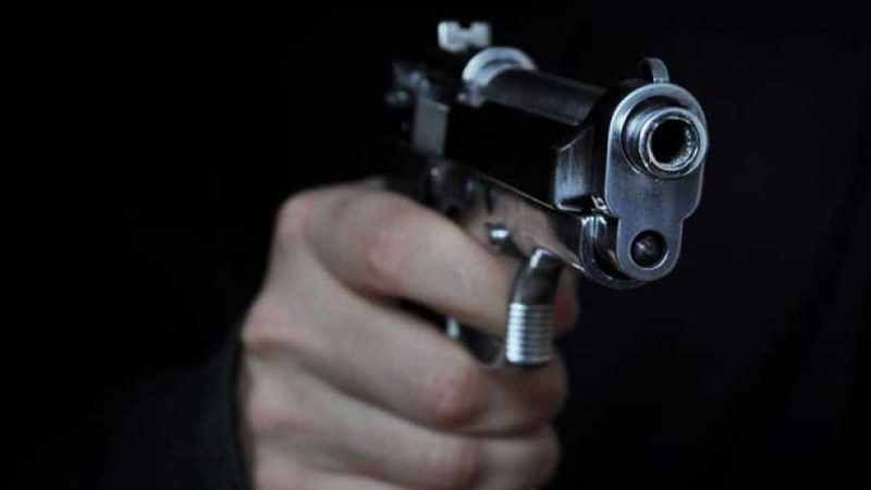 A la cárcel un hombre que presuntamente le disparó a otro que se encontraba haciendo un trasteo