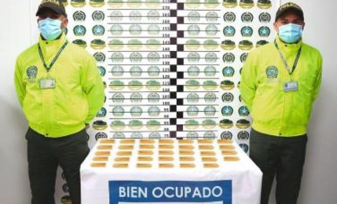 En dos operativos Policía Nacional Incautó 3 kilos de oro y ocupó 34 lingotes de oro producto de rentas del narcotráfico.