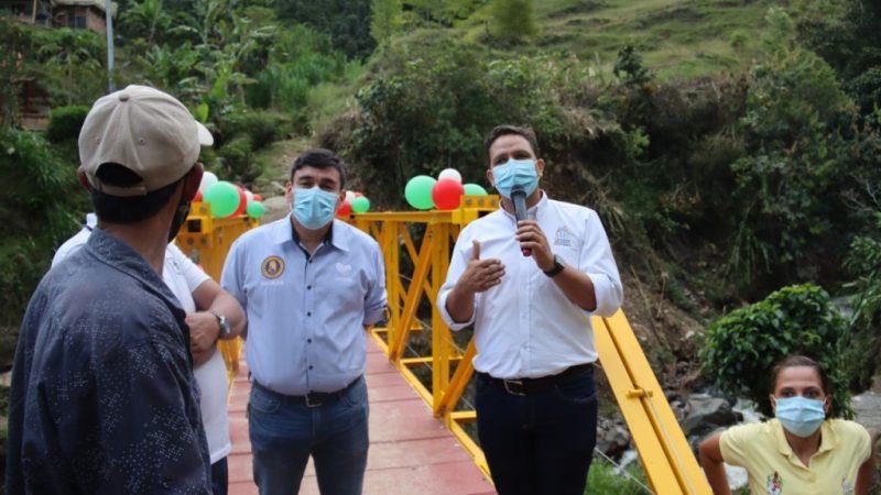 Puente nuevo en Ciudad Bolívar para proteger más de 50 personas de la zona rural